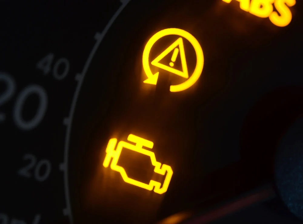 Lampu Indikator Check Engine tumbnail google